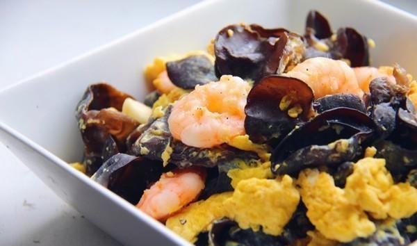 烧茄子|美味家常菜:木耳滑蛋、五花肉炒韭花、黄豆烧茄子、香辣肉丝